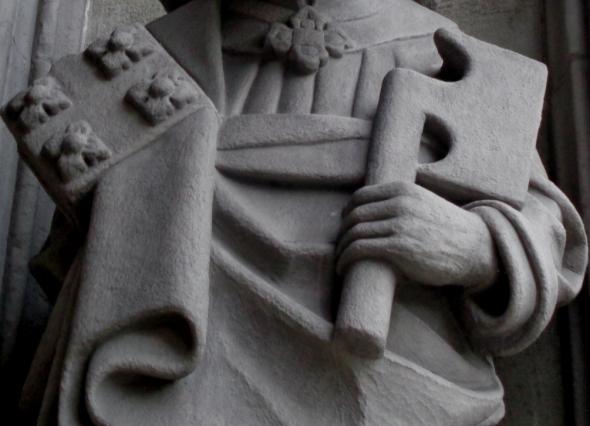 Main armée (Cathédrale)