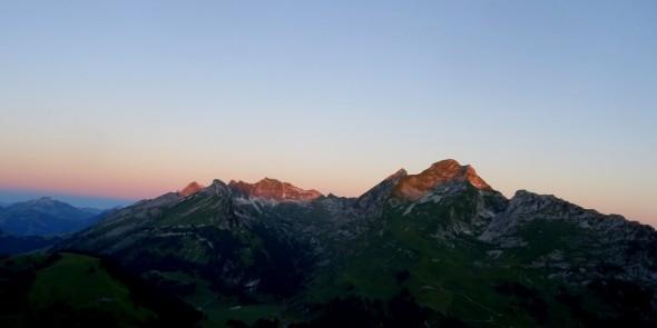 18 juillet, lever du jour sur le Vallon des Morteys